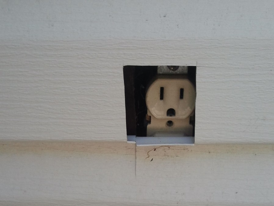 Electrical plugs: How to avoid burning your home down